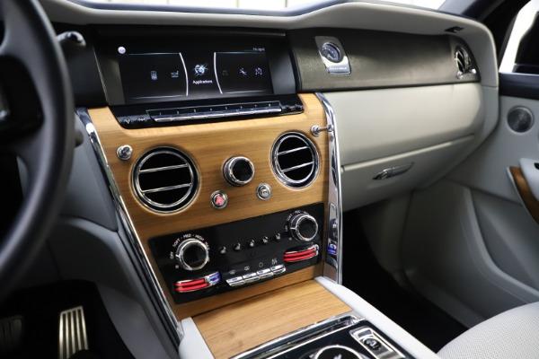 Used 2019 Rolls-Royce Cullinan for sale $349,900 at Rolls-Royce Motor Cars Greenwich in Greenwich CT 06830 28