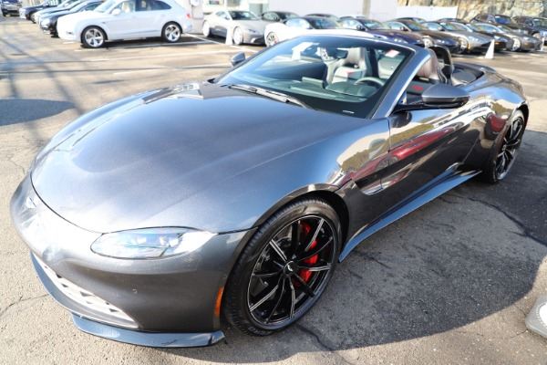 New 2021 Aston Martin Vantage Roadster Convertible for sale $178,186 at Rolls-Royce Motor Cars Greenwich in Greenwich CT 06830 28