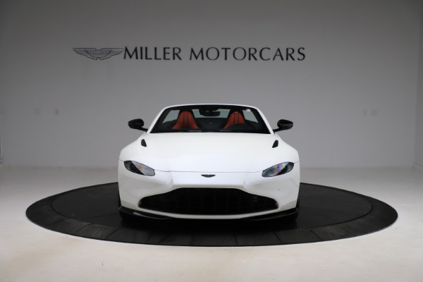 New 2021 Aston Martin Vantage Roadster Convertible for sale $189,186 at Rolls-Royce Motor Cars Greenwich in Greenwich CT 06830 11
