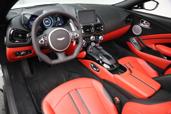 New 2021 Aston Martin Vantage Roadster Convertible for sale $189,186 at Rolls-Royce Motor Cars Greenwich in Greenwich CT 06830 13