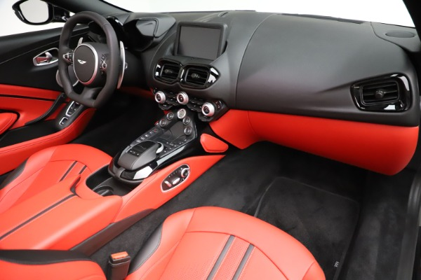 New 2021 Aston Martin Vantage Roadster Convertible for sale $189,186 at Rolls-Royce Motor Cars Greenwich in Greenwich CT 06830 18