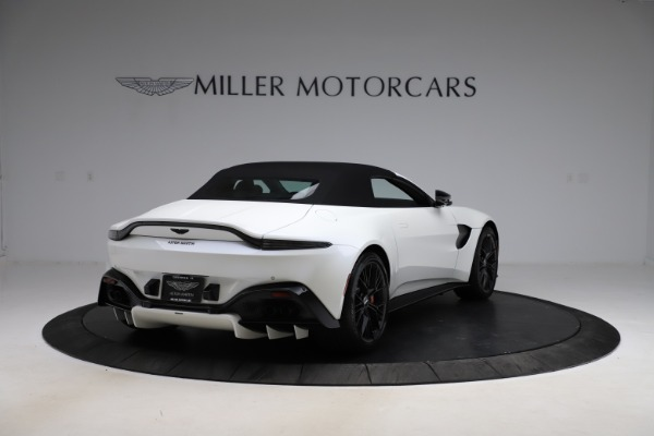New 2021 Aston Martin Vantage Roadster Convertible for sale $189,186 at Rolls-Royce Motor Cars Greenwich in Greenwich CT 06830 24