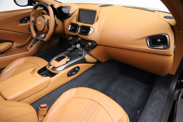 New 2021 Aston Martin Vantage Roadster Convertible for sale $205,686 at Rolls-Royce Motor Cars Greenwich in Greenwich CT 06830 19