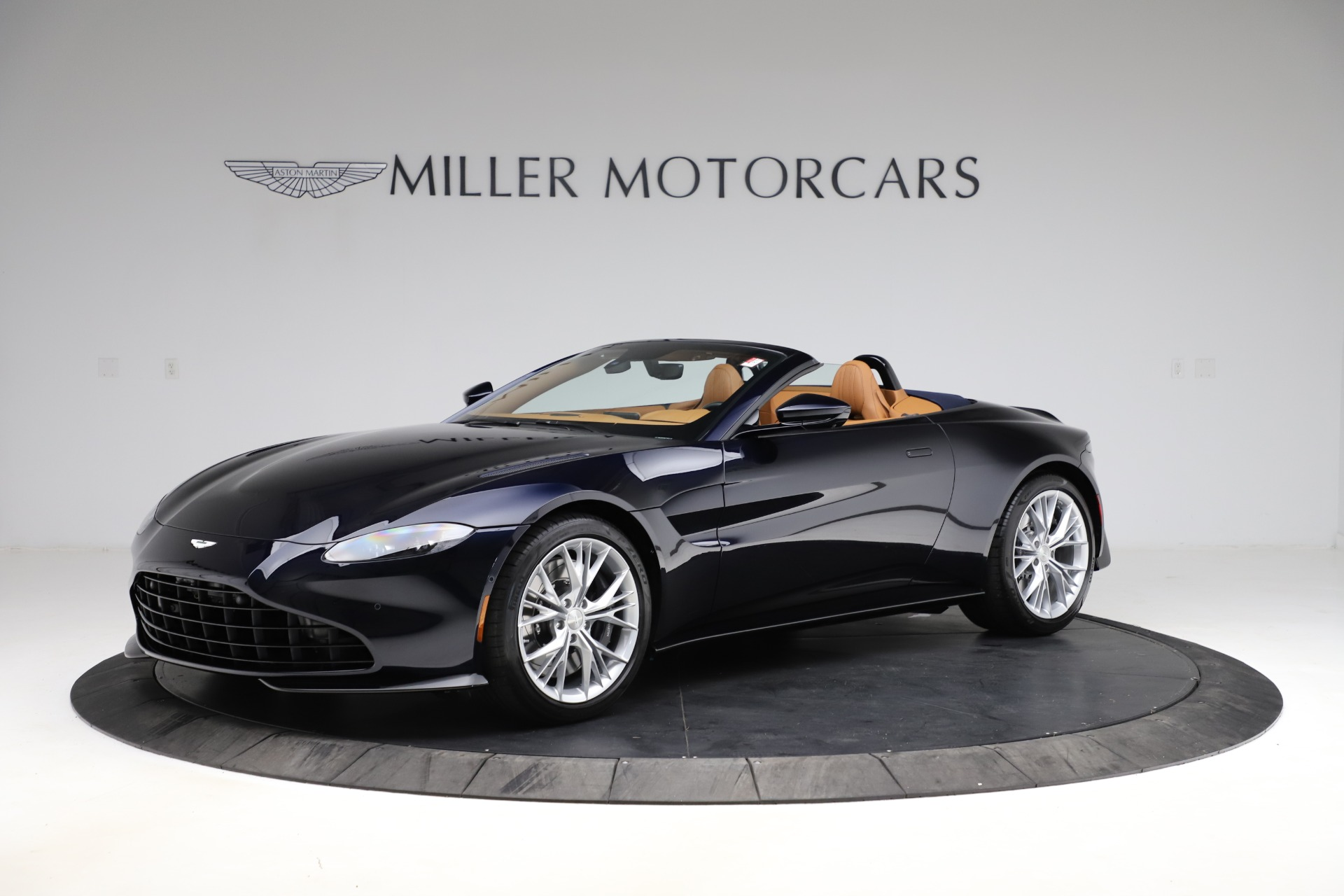 New 2021 Aston Martin Vantage Roadster Convertible for sale $205,686 at Rolls-Royce Motor Cars Greenwich in Greenwich CT 06830 1