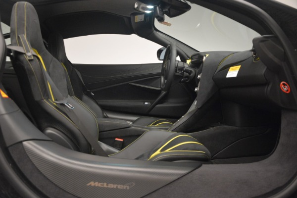 Used 2018 McLaren 720S Performance for sale $234,900 at Rolls-Royce Motor Cars Greenwich in Greenwich CT 06830 22