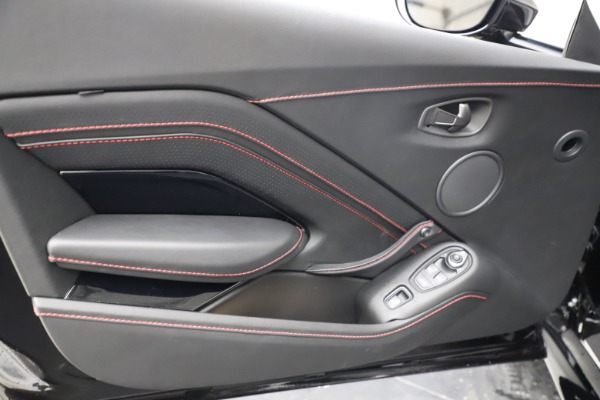 New 2021 Aston Martin Vantage Roadster Convertible for sale $189,186 at Rolls-Royce Motor Cars Greenwich in Greenwich CT 06830 16