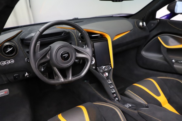 Used 2020 McLaren 720S Spider for sale Call for price at Rolls-Royce Motor Cars Greenwich in Greenwich CT 06830 22