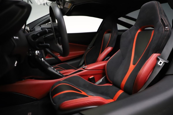 Used 2018 McLaren 720S Performance for sale $239,900 at Rolls-Royce Motor Cars Greenwich in Greenwich CT 06830 18