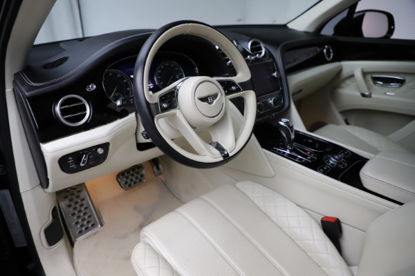 Used 2018 Bentley Bentayga W12 Signature Edition for sale $154,900 at Rolls-Royce Motor Cars Greenwich in Greenwich CT 06830 18