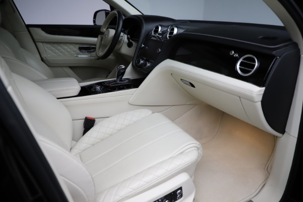 Used 2018 Bentley Bentayga W12 Signature for sale $154,900 at Rolls-Royce Motor Cars Greenwich in Greenwich CT 06830 26