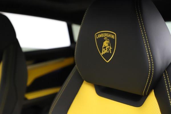 Used 2019 Lamborghini Urus for sale $249,900 at Rolls-Royce Motor Cars Greenwich in Greenwich CT 06830 17