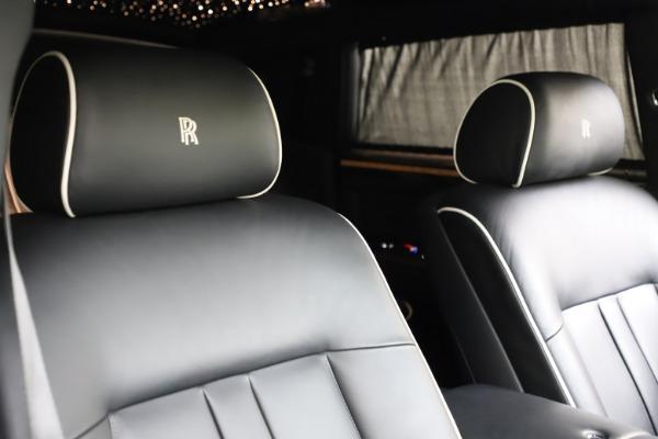 Used 2015 Rolls-Royce Phantom EWB for sale $289,900 at Rolls-Royce Motor Cars Greenwich in Greenwich CT 06830 11