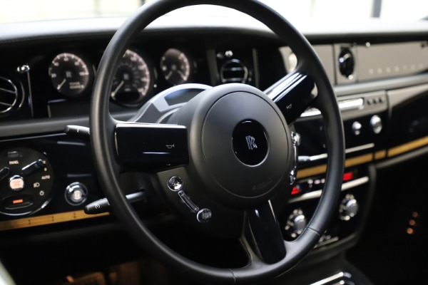 Used 2015 Rolls-Royce Phantom EWB for sale $289,900 at Rolls-Royce Motor Cars Greenwich in Greenwich CT 06830 12