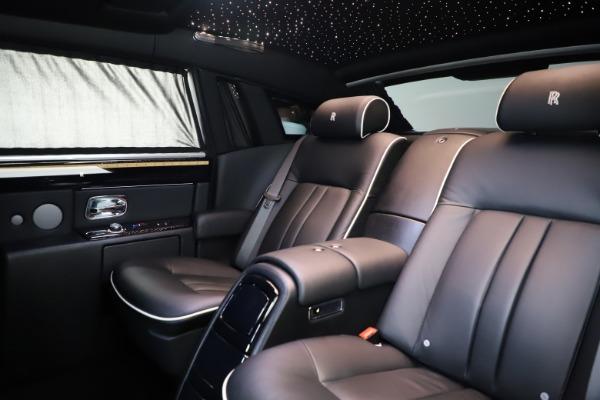 Used 2015 Rolls-Royce Phantom EWB for sale $299,900 at Rolls-Royce Motor Cars Greenwich in Greenwich CT 06830 14
