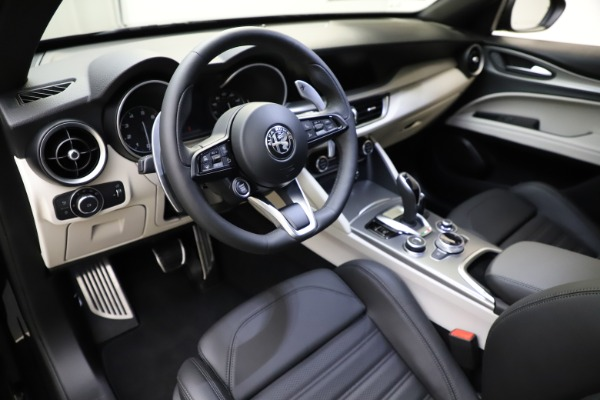 New 2021 Alfa Romeo Stelvio Ti Sport Q4 for sale $54,950 at Rolls-Royce Motor Cars Greenwich in Greenwich CT 06830 13