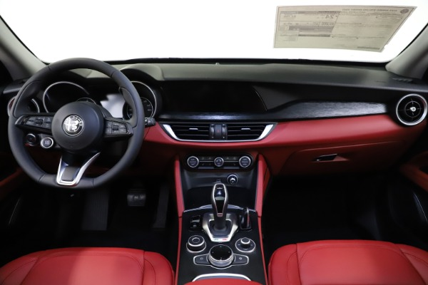 New 2021 Alfa Romeo Stelvio Q4 for sale $48,050 at Rolls-Royce Motor Cars Greenwich in Greenwich CT 06830 16