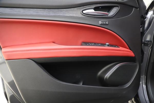 New 2021 Alfa Romeo Stelvio Q4 for sale $48,050 at Rolls-Royce Motor Cars Greenwich in Greenwich CT 06830 17