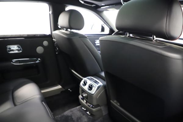 Used 2016 Rolls-Royce Ghost for sale $165,900 at Rolls-Royce Motor Cars Greenwich in Greenwich CT 06830 21