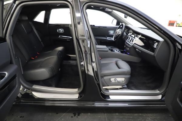 Used 2016 Rolls-Royce Ghost for sale $165,900 at Rolls-Royce Motor Cars Greenwich in Greenwich CT 06830 28