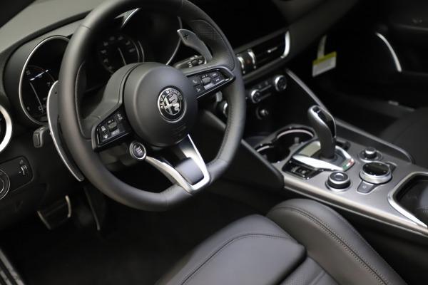 New 2021 Alfa Romeo Giulia Ti Sport Q4 for sale $53,850 at Rolls-Royce Motor Cars Greenwich in Greenwich CT 06830 14