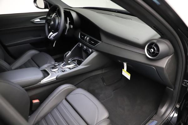 New 2021 Alfa Romeo Giulia Ti Sport Q4 for sale $53,850 at Rolls-Royce Motor Cars Greenwich in Greenwich CT 06830 19