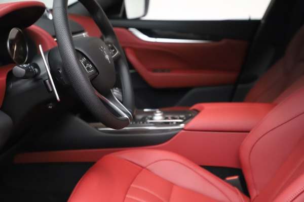 New 2021 Maserati Levante S Q4 GranSport for sale $105,835 at Rolls-Royce Motor Cars Greenwich in Greenwich CT 06830 15