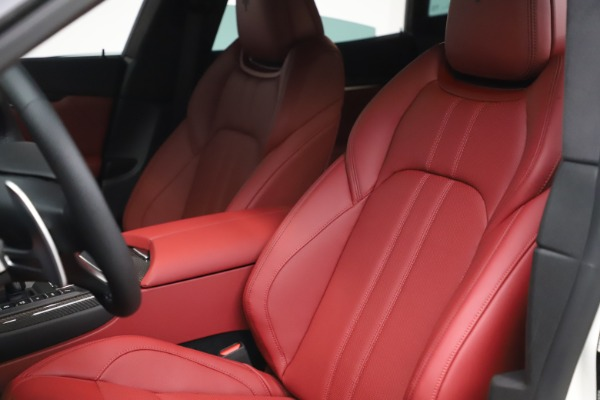 New 2021 Maserati Levante S Q4 GranSport for sale $105,835 at Rolls-Royce Motor Cars Greenwich in Greenwich CT 06830 16