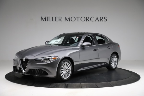 New 2021 Alfa Romeo Giulia Q4 for sale $46,895 at Rolls-Royce Motor Cars Greenwich in Greenwich CT 06830 2