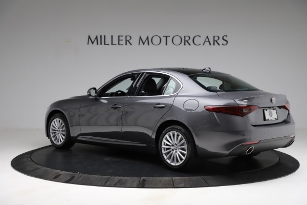 New 2021 Alfa Romeo Giulia Q4 for sale $46,895 at Rolls-Royce Motor Cars Greenwich in Greenwich CT 06830 5
