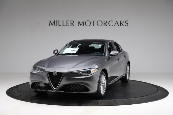 New 2021 Alfa Romeo Giulia Q4 for sale $46,895 at Rolls-Royce Motor Cars Greenwich in Greenwich CT 06830 1