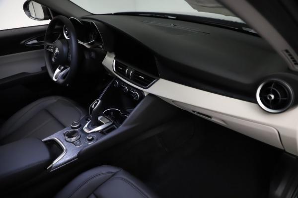 New 2021 Alfa Romeo Giulia Q4 for sale $46,895 at Rolls-Royce Motor Cars Greenwich in Greenwich CT 06830 22