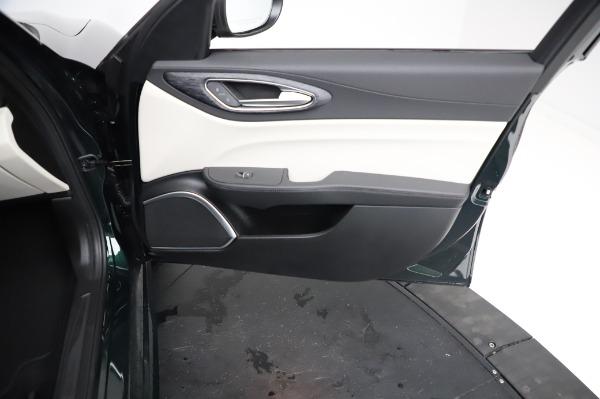 New 2021 Alfa Romeo Giulia Q4 for sale $46,895 at Rolls-Royce Motor Cars Greenwich in Greenwich CT 06830 24