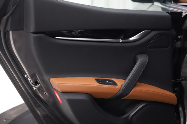 New 2021 Maserati Ghibli S Q4 for sale $90,525 at Rolls-Royce Motor Cars Greenwich in Greenwich CT 06830 21