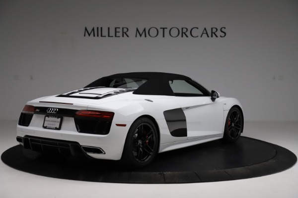 Used 2018 Audi R8 Spyder for sale $154,900 at Rolls-Royce Motor Cars Greenwich in Greenwich CT 06830 17