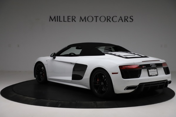 Used 2018 Audi R8 Spyder for sale $154,900 at Rolls-Royce Motor Cars Greenwich in Greenwich CT 06830 18