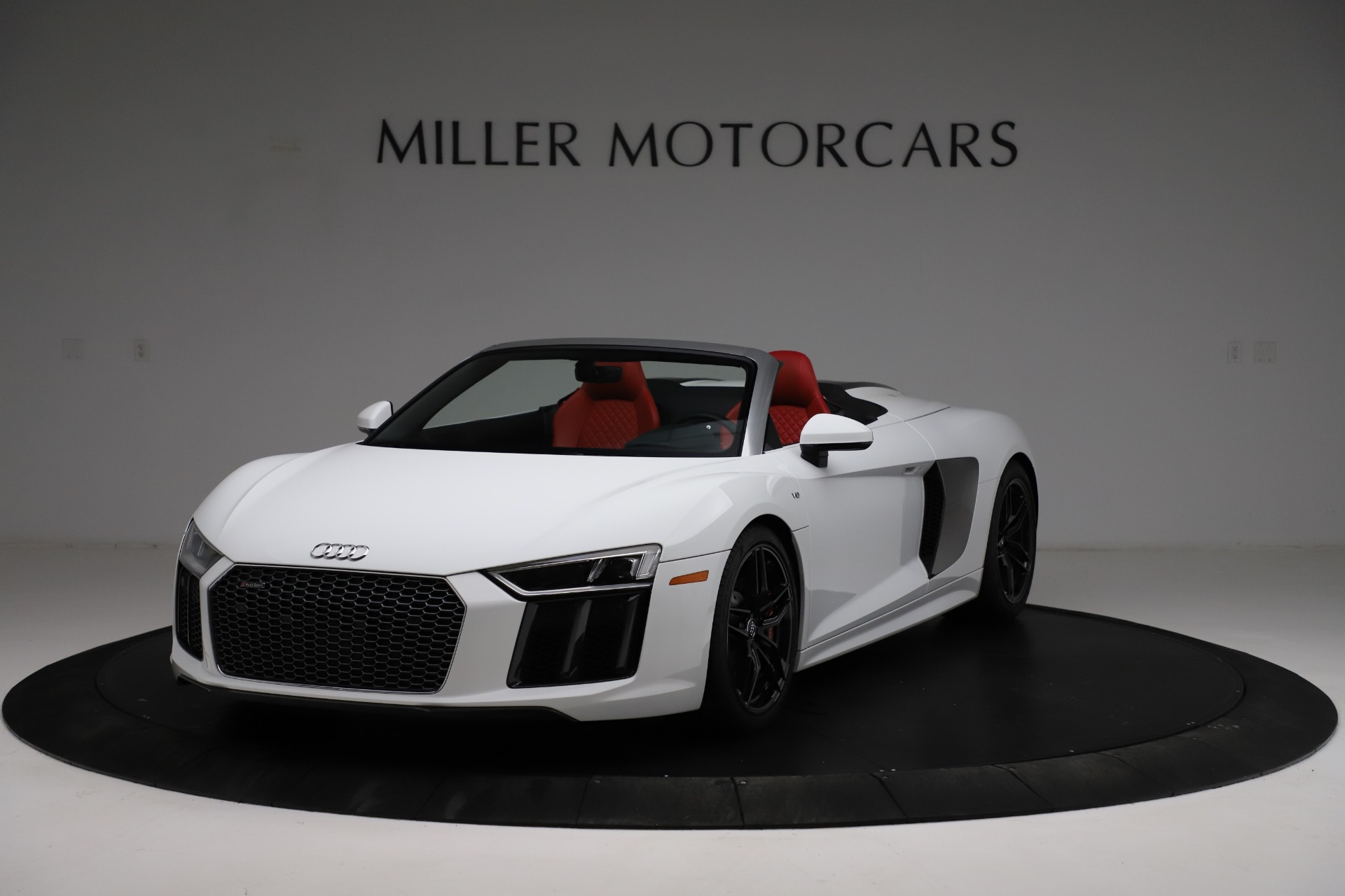 Used 2018 Audi R8 Spyder for sale $154,900 at Rolls-Royce Motor Cars Greenwich in Greenwich CT 06830 1