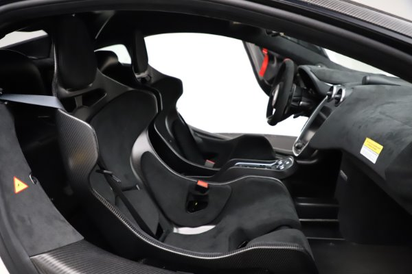 New 2020 McLaren 620R for sale Call for price at Rolls-Royce Motor Cars Greenwich in Greenwich CT 06830 21