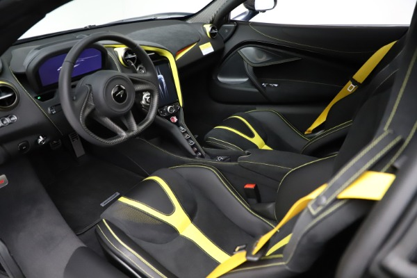 New 2021 McLaren 720S Spider for sale $351,450 at Rolls-Royce Motor Cars Greenwich in Greenwich CT 06830 23