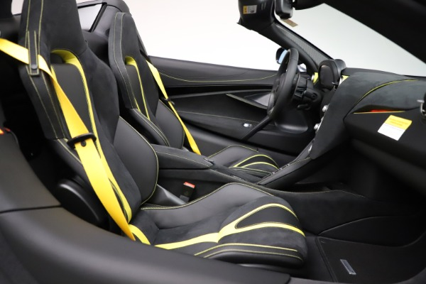 New 2021 McLaren 720S Spider for sale $351,450 at Rolls-Royce Motor Cars Greenwich in Greenwich CT 06830 28