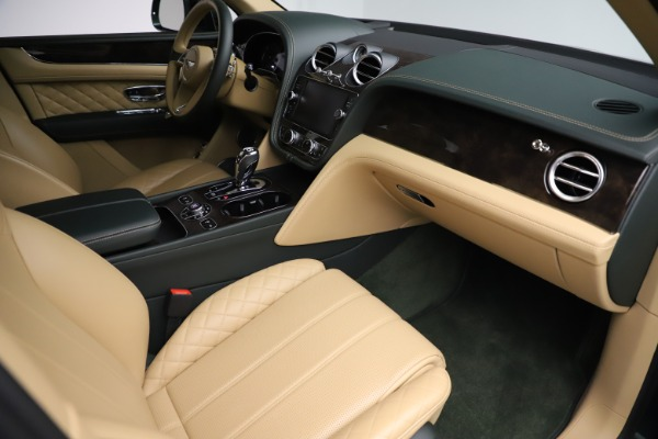 Used 2018 Bentley Bentayga W12 Signature for sale $159,900 at Rolls-Royce Motor Cars Greenwich in Greenwich CT 06830 24