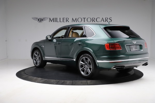 Used 2018 Bentley Bentayga W12 Signature for sale $159,900 at Rolls-Royce Motor Cars Greenwich in Greenwich CT 06830 5