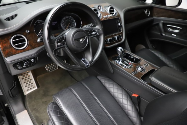 Used 2018 Bentley Bentayga W12 Signature for sale $159,900 at Rolls-Royce Motor Cars Greenwich in Greenwich CT 06830 18