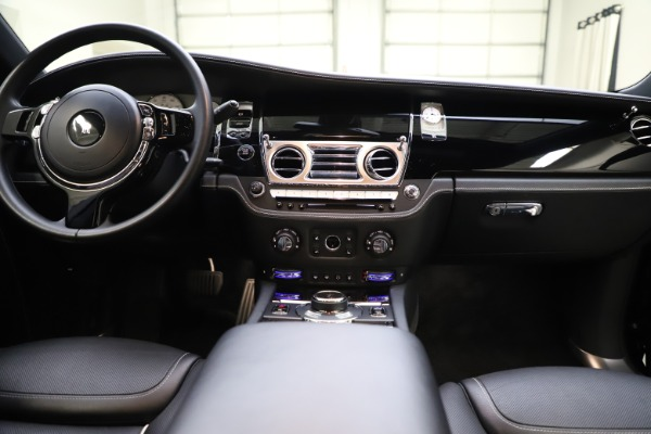 Used 2018 Rolls-Royce Ghost for sale $249,900 at Rolls-Royce Motor Cars Greenwich in Greenwich CT 06830 27