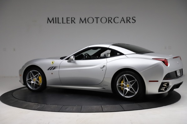 Used 2010 Ferrari California for sale $114,900 at Rolls-Royce Motor Cars Greenwich in Greenwich CT 06830 16