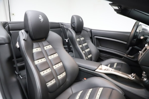 Used 2010 Ferrari California for sale $114,900 at Rolls-Royce Motor Cars Greenwich in Greenwich CT 06830 27