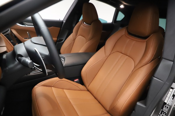 New 2021 Maserati Levante Q4 GranSport for sale $91,385 at Rolls-Royce Motor Cars Greenwich in Greenwich CT 06830 16