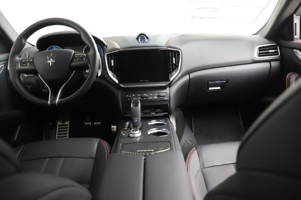 New 2021 Maserati Ghibli S Q4 GranSport for sale Sold at Rolls-Royce Motor Cars Greenwich in Greenwich CT 06830 18