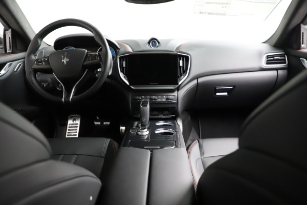 New 2021 Maserati Ghibli S Q4 GranSport for sale $100,635 at Rolls-Royce Motor Cars Greenwich in Greenwich CT 06830 18
