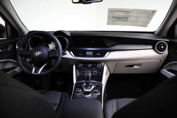 New 2021 Alfa Romeo Stelvio Q4 for sale $50,245 at Rolls-Royce Motor Cars Greenwich in Greenwich CT 06830 16