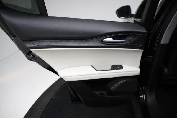 New 2021 Alfa Romeo Stelvio Q4 for sale $50,245 at Rolls-Royce Motor Cars Greenwich in Greenwich CT 06830 21